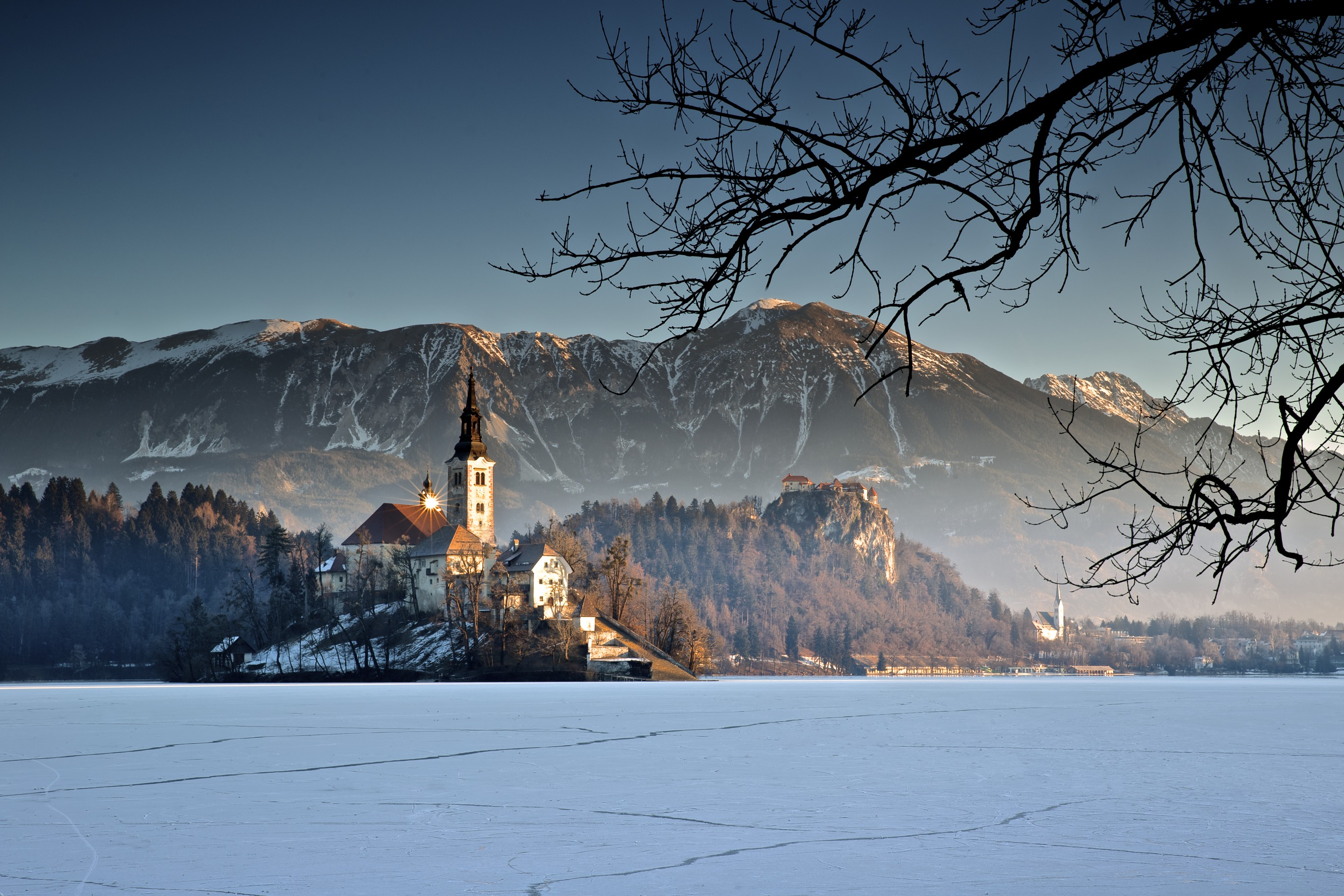 Icy Dawn - Lake Bled