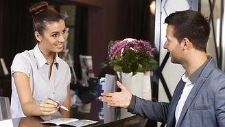 Администратор службы приема и размещения гостей
