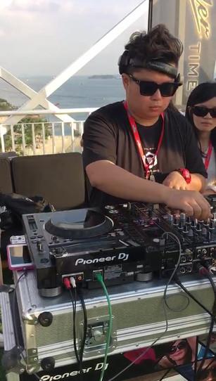 AJ Hackett Sunset DJ Class
