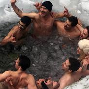 First ice bath in Pogdórna Waterfall