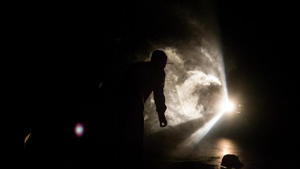 en kötü iş/the worst job  premiered 20th istanbul theater festival  choreography tuğçe tuna  sound design fati fehmiju, vahit tuna  light design utku kara photo murat dürüm