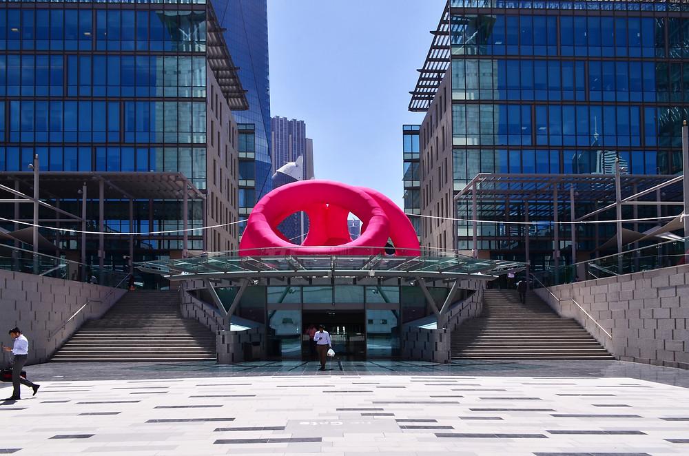 "Installation ""Flamingo Ring"", DIFC ArtNights 2019, Dubai."