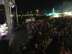 A Jam Packed crowd for the Lacs