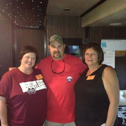 Marisha, Lynn and Daryle Singletary