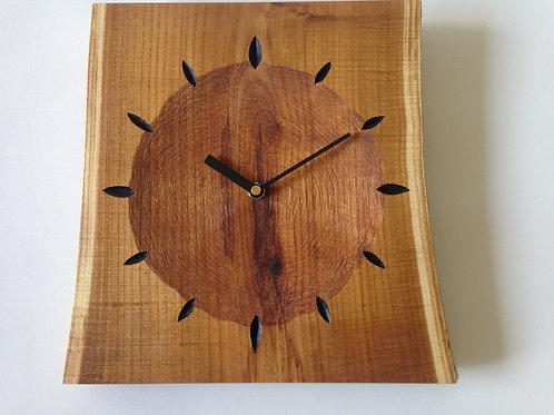 エンジュの掛時計