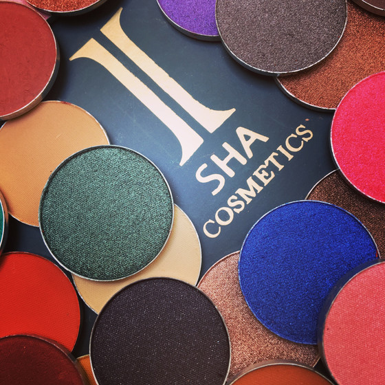 Our 35 shade,vibariant,single paneyeshadow'swill be arriving very soon!!!