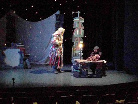 SHOW DAY for new puppet theatre 'Arthur the Bear King' !: Blog post by Tamar