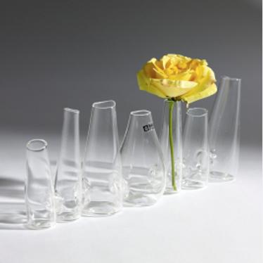 Vase composé de 7 petits vases en verre  Serax