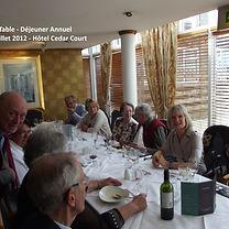 201207c Diner annuel A table.JPG