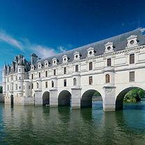 Chateau_de_Chenonceau_2008E_(adjusted2).