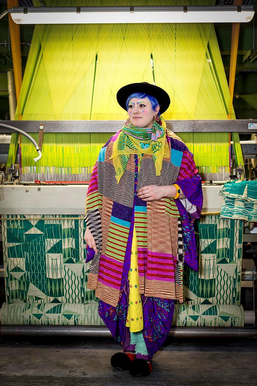 Loom, textiles