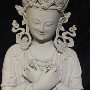 Les sculptures de Péma au centre de yoga OM SWEET OM à Paris le 2 et 3 décembre.