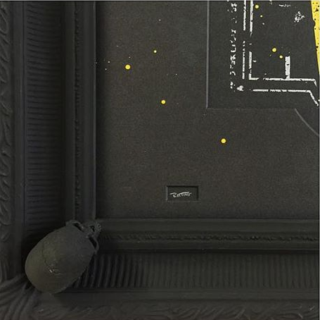 dethroned corner detail