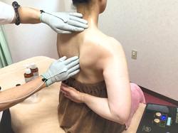 EMS ラクリス あい治療院 肩甲骨はがし