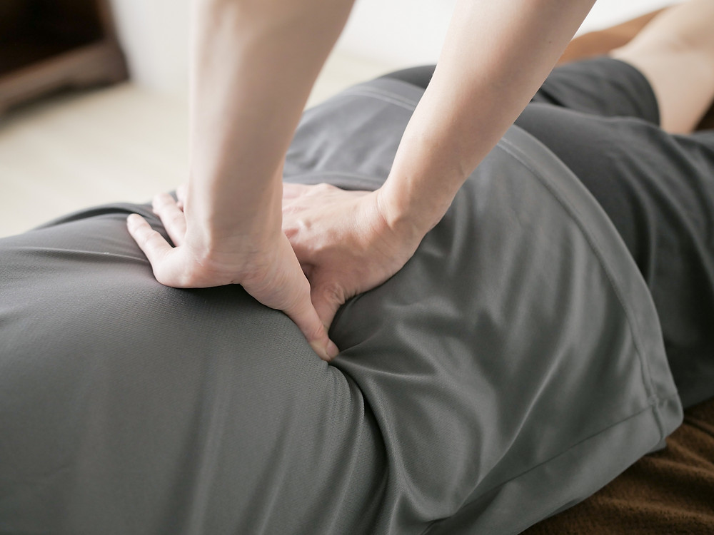 リラクゼーション マッサージ 指圧 腰痛