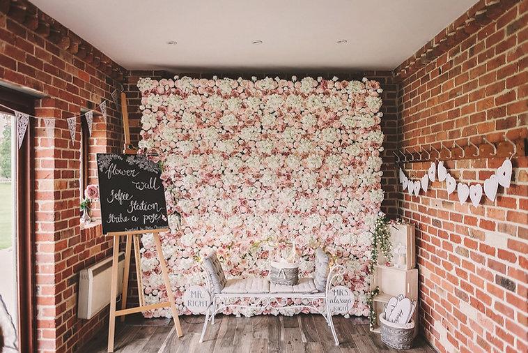 Eversholt Hall wedding, flower wall, selfie station
