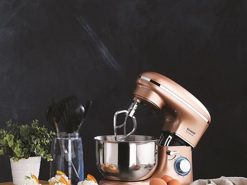 Kendi mutfağının şeflerine ilham verici bir yardımcı; Schafer Prochef XL Standlı Mikser
