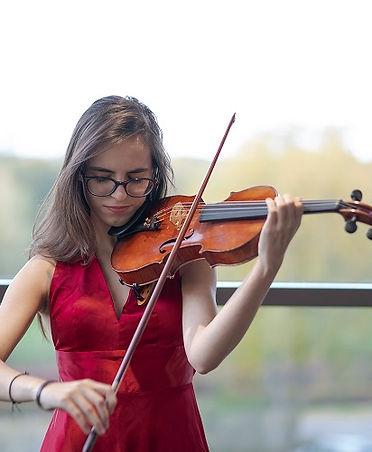 1583143496_Elfida_Turan_violin.jpg
