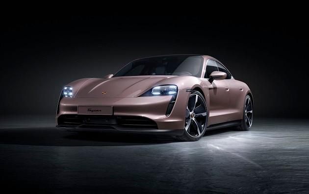 Porsche Taycan 2021.jpg