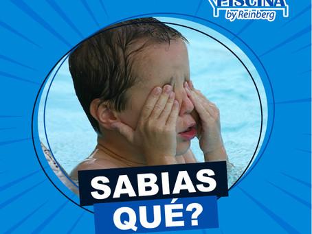 Sabias que no es cloro lo que te irrita los ojos en la piscina?