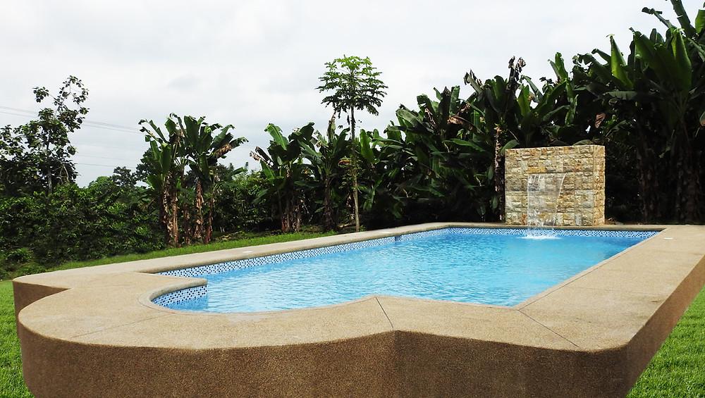 Construcción de piscina en Quinsalona
