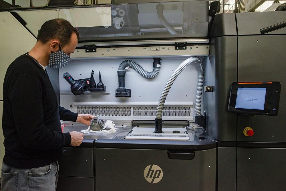 3D Printer เทคโนโลยี Multi Jet Fusion ยี่ห้อ HP