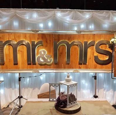 Mr & Mrs Stand