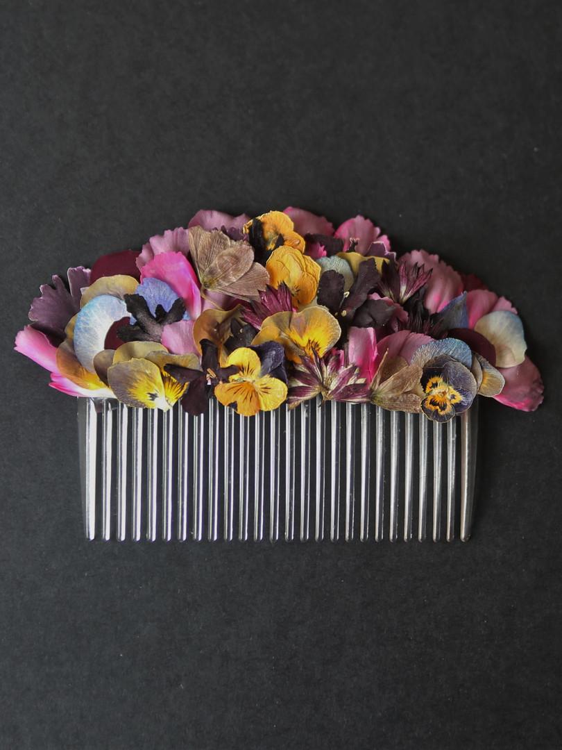 Pressed flower hair slide