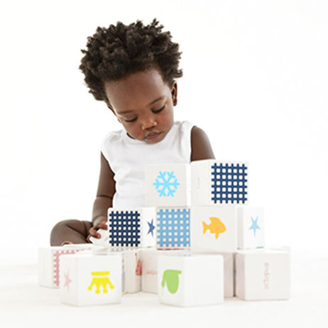 TODDLER WITH BLOCKS.jpg