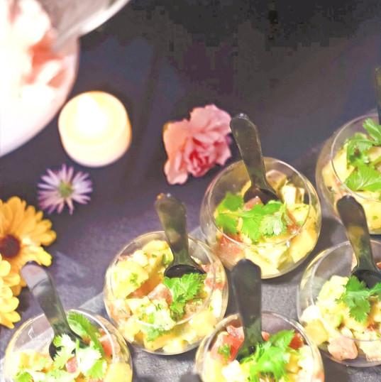Salad mango, avocado, tomatoes & coriander