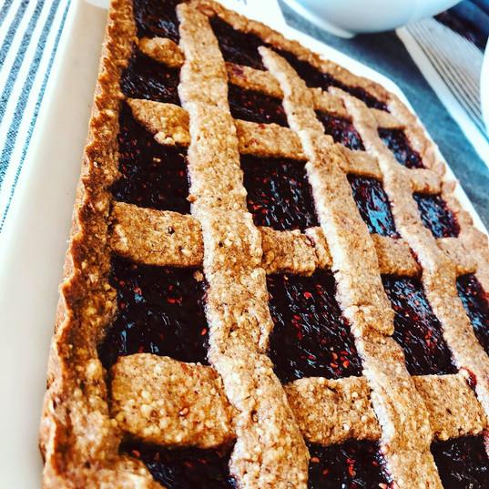 The Linzer Torte with raspberry jam
