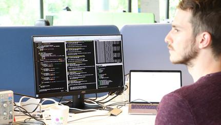 Embedded-software-engineer.jpg