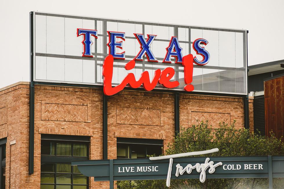 Texas Live - Sign close up.jpeg