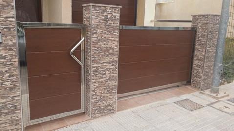 Puerta panel madera