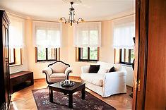 salon suite.jpg
