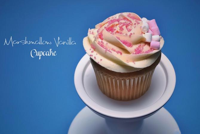 Introducingour Christmas CupcakeCollection!🎁💝❄️☃️