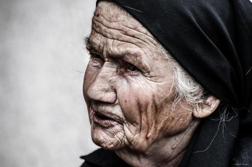 Portrait of a woman (2).