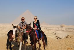 ÄgyptenPyramiden_Reiten.JPG