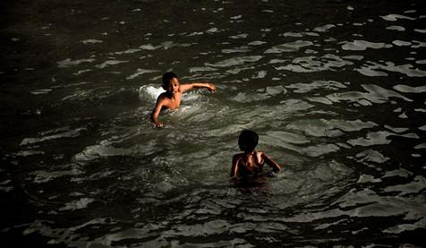 Niños_Morro_de_Sao_Paolo.jpg