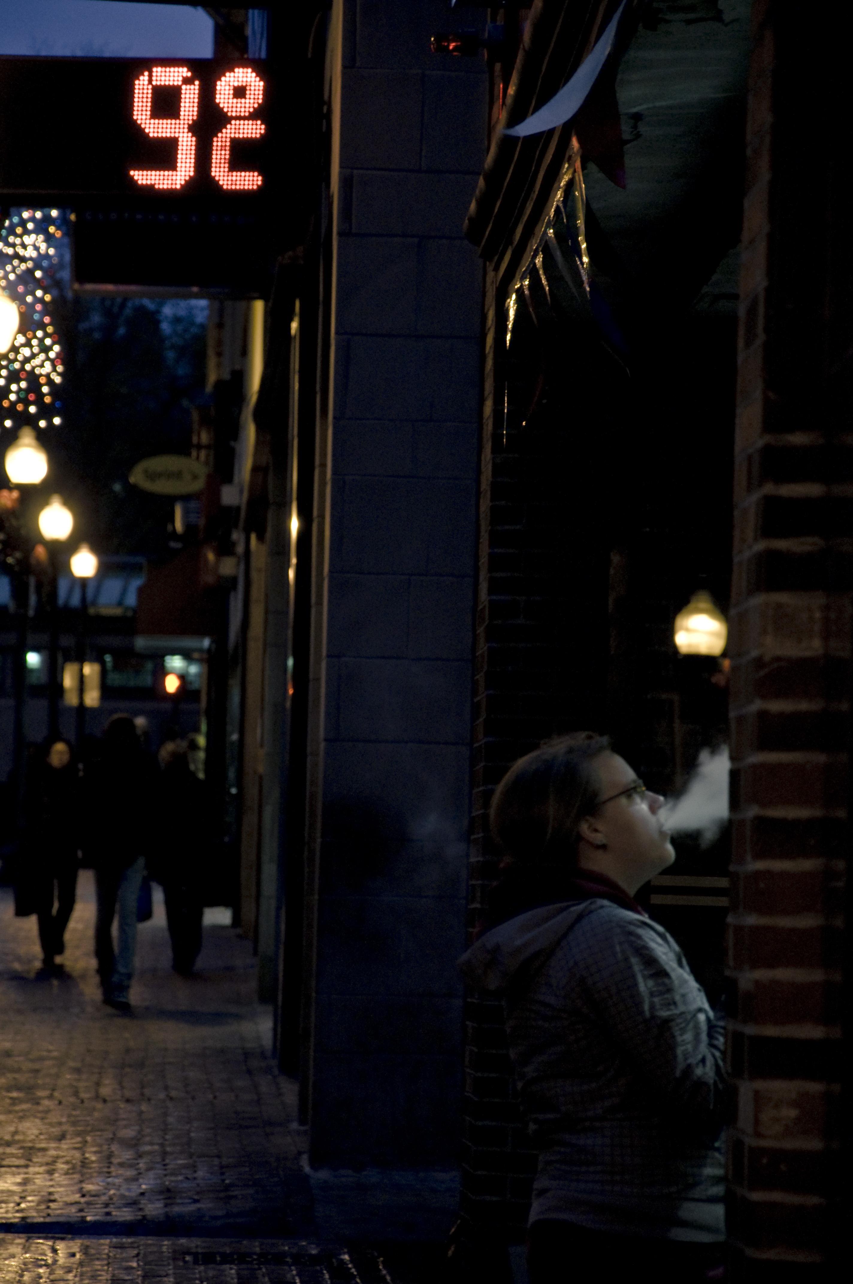 Mujer fumandoBoston
