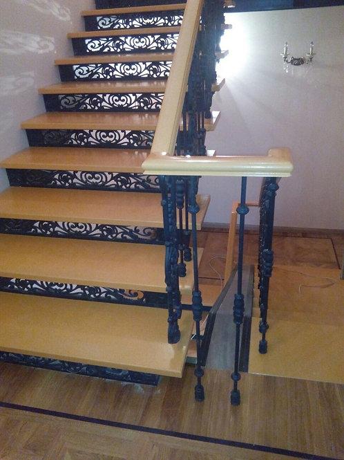 Лестница маршевая чугунная