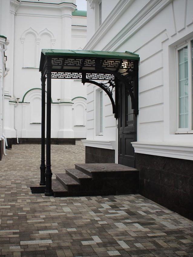 Чугунный навес Ростовского кафедрального собора