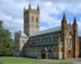 800px-Buckfast_Abbey,_Buckfastleigh,_Dev