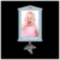 Banner é um material impresso em grandes formatos (geralmente 90x120 cm), utilizado como comunicação visual de uma marca e que se feito da forma correta, pode ser um dos principais elementos para o sucesso de sua empresa.  Ele pode ser feito de lona fosca, lona brilhante ou tecido poliéster. Pode ter acabamento com bastões, cordinha e ponteiras ou ilhóses nas extremidades, para ser usado pendurado. E pode ser impresso tanto em sentido retrato como paisagem.  Você pode criar o banner de acordo com a sua necessidade e personalizá-lo tanto no tamanho, quanto no conteúdo.