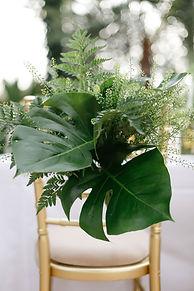 2018-trend-tropical-leaf-greenery-weddin