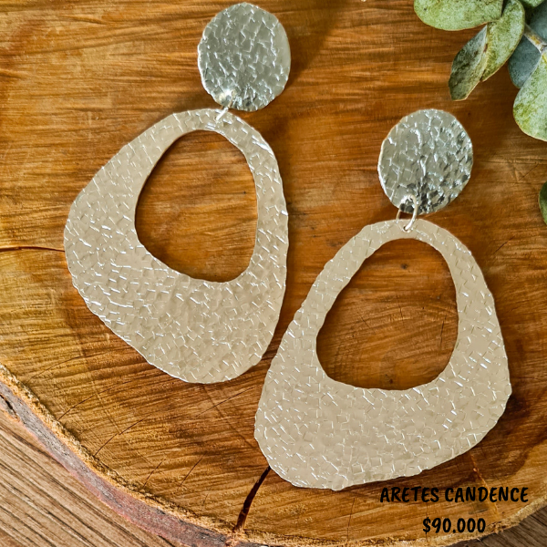 ARETES CANDENCE $ 90.000