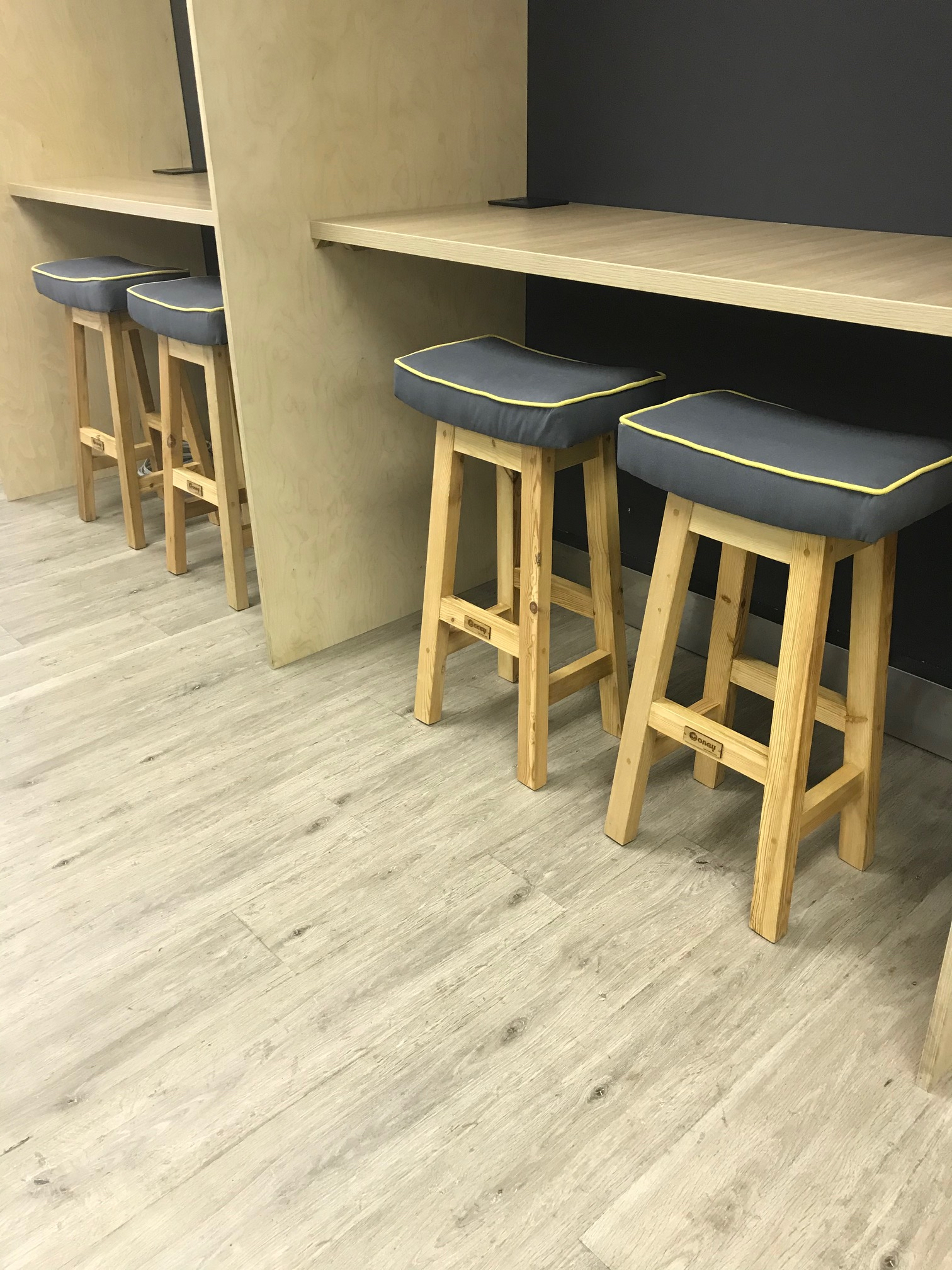Office hot desks with stools
