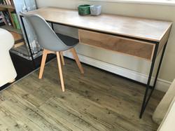 Desk grey Leanne chairs