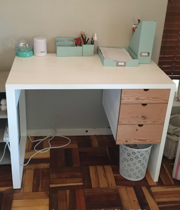 Kids home desk