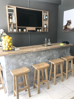 Cement bar front